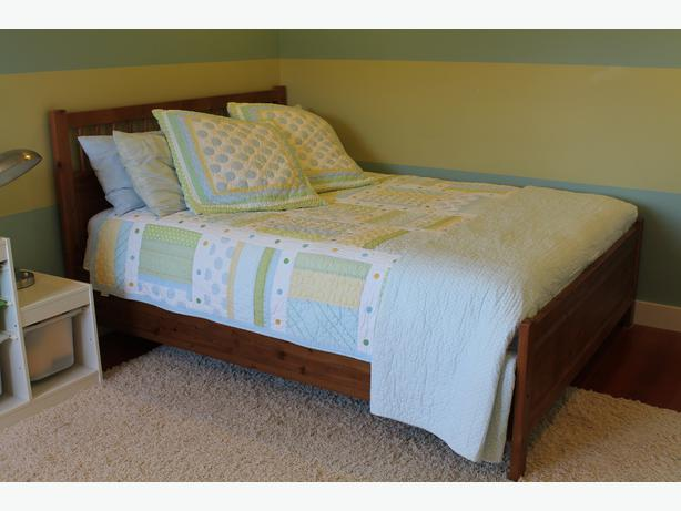 Queen size ikea hemnes antique stain bed frame outside for Ikea queen size box spring