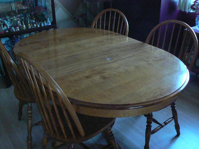 Solid Maple Country Style Pedestal Dining Room Table Set