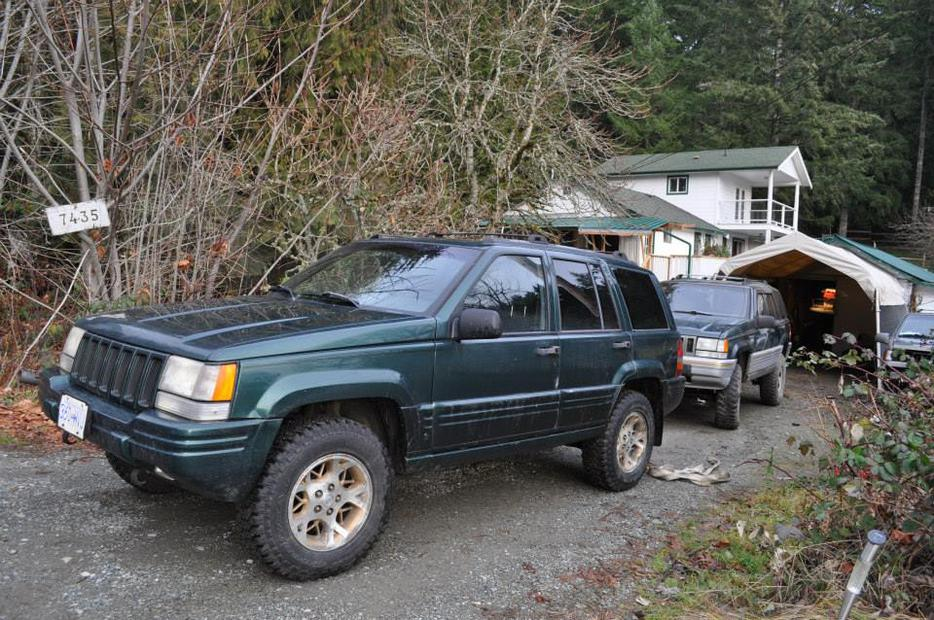 97 jeep grand cherokee price drop now 2000 outside nanaimo nanaimo mobile. Black Bedroom Furniture Sets. Home Design Ideas