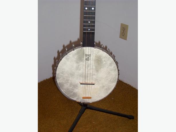 Vega Old Tyme Wonder open back Banjo with Deering Vega case