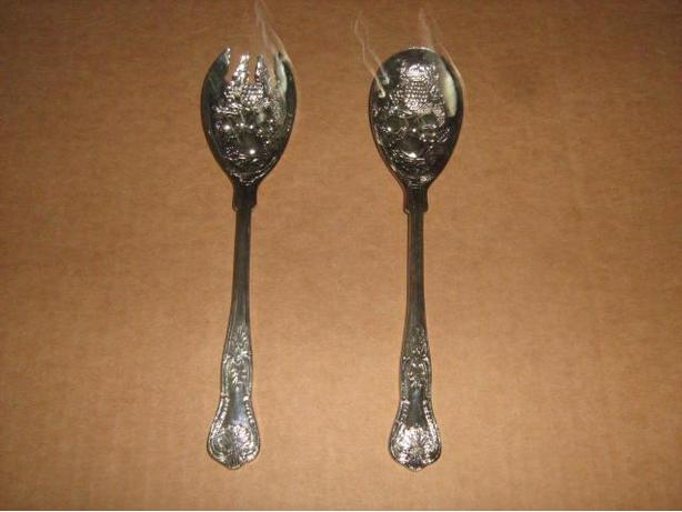 VINTAGE  SILVER  PLATED  SALAD  FORK  AND  SPOON  SET