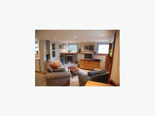 Bright Spacious Furnished Suite for Rent in Vancouver's Dunbar Area #282