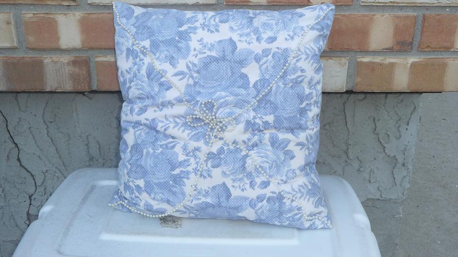 Decorative pillow North Regina, Regina