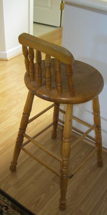 Bar Stool chair Victoria City Victoria : 39798483934 from www.usedvictoria.com size 349 x 700 jpeg 26kB
