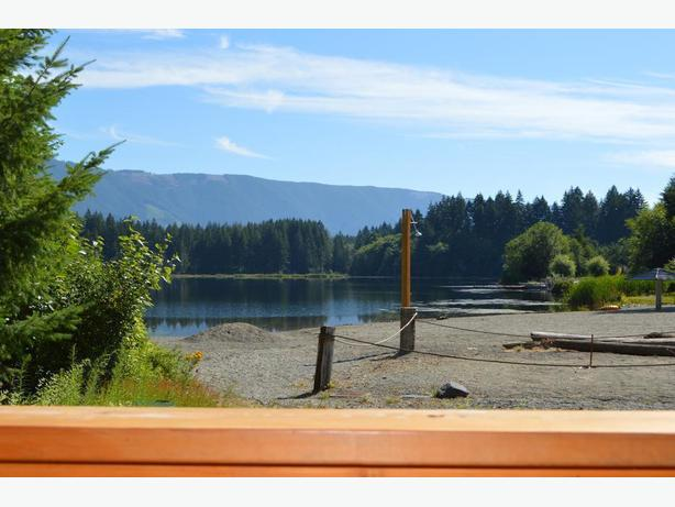 Reduced! Beaver Lake Resort Lakefront (Lake Cowichan)