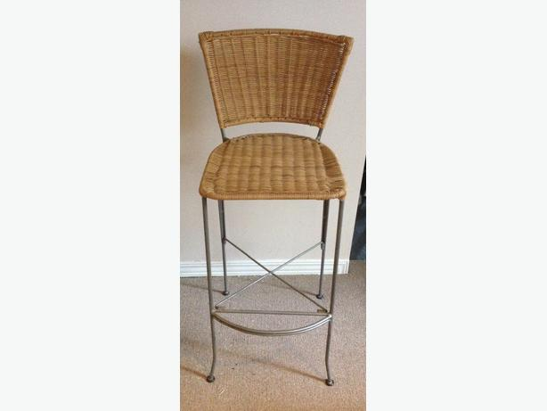 2 Wicker And Metal Bar Stools Gloucester Ottawa