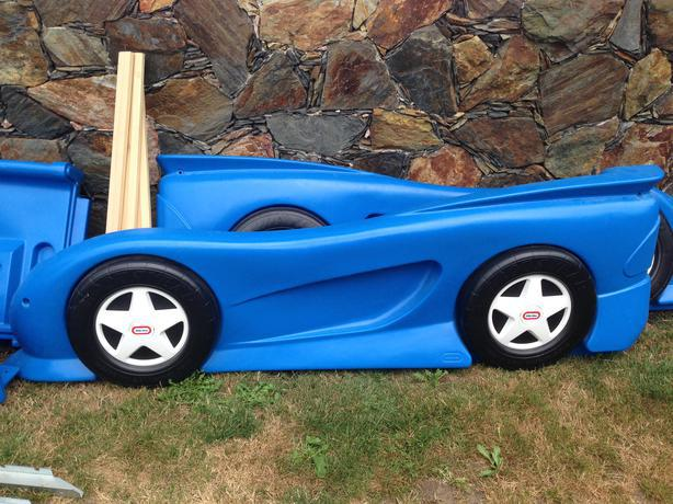 little tikes twin car bed used 1