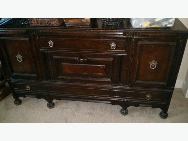 Free gibbard sideboard free double bed free side table for Bad sideboard