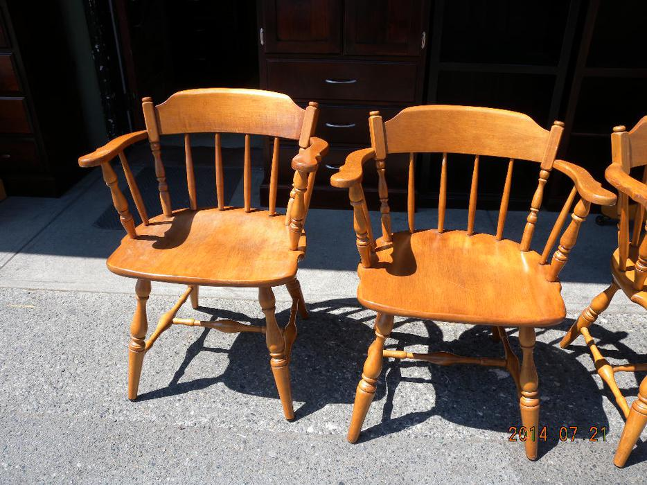 Vilas maple arm chairs loi 39 s used furniture saanich for Consignment furniture clearwater
