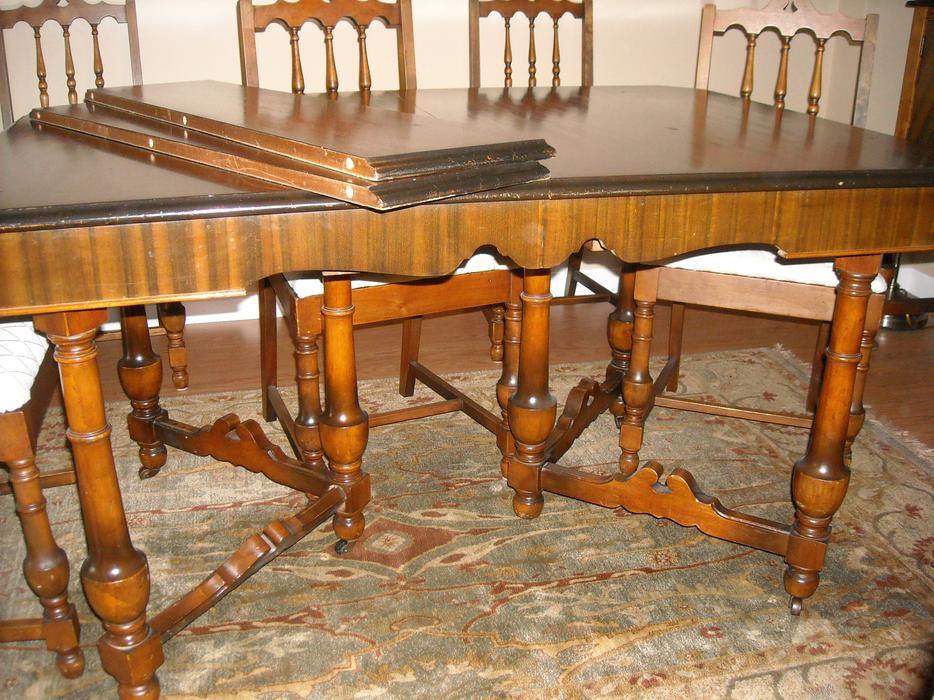 Antique dining room suite for sale campbell river for Dining room suites for sale