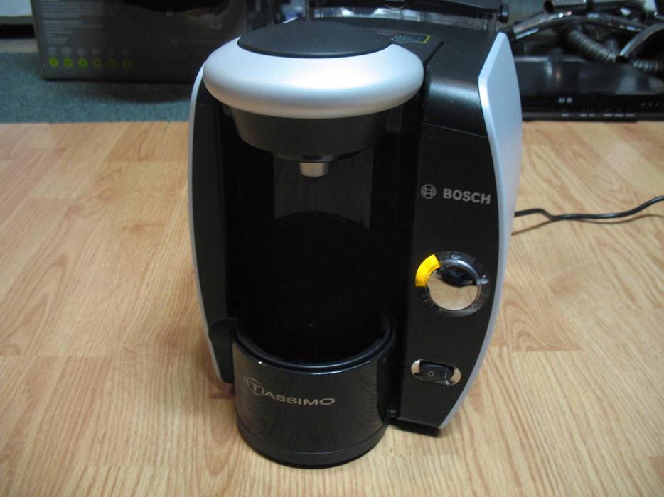 Bosch Coffee Maker K Cup : Bosch Tassimo TAS4615UC8/06 Single Cup Machine Coffee Maker Black 1 week old Central Ottawa ...