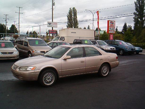 1997 toyota camry central nanaimo nanaimo. Black Bedroom Furniture Sets. Home Design Ideas