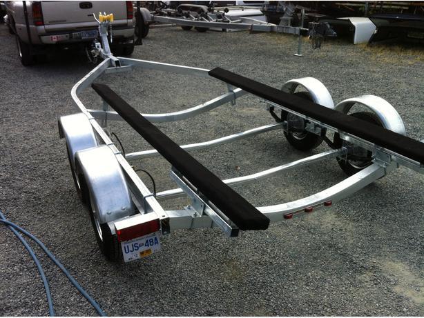 New Road Runner Boat Trailer 4000 LB CARRYING CAPACITY