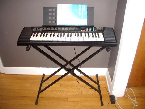 Yamaha portatone psr 110 portable keyboard with stand for Yamaha portatone keyboard