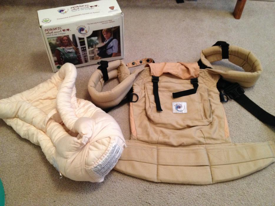 how to use ergo baby carrier with infant insert
