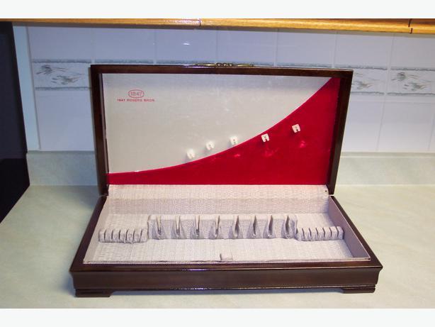 Vintage 1847 Rogers Bros Silverware Cutlery Box