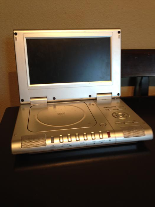 portable dvd player saanich victoria mobile. Black Bedroom Furniture Sets. Home Design Ideas