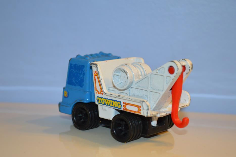 Maple Ridge Dump >> 2 1979 First Wheels Mattel Tow Truck and dump Truck Saanich, Victoria