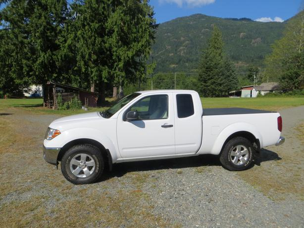 nissan frontier 4x4 for sale outside comox valley comox valley. Black Bedroom Furniture Sets. Home Design Ideas