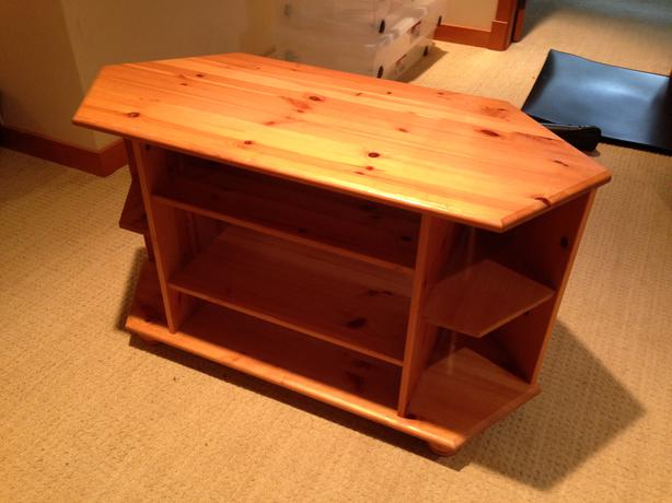 ikea pine tv stand oak bay victoria. Black Bedroom Furniture Sets. Home Design Ideas