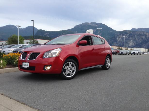 2009 pontiac vibe all wheel drive hatchback outside metro. Black Bedroom Furniture Sets. Home Design Ideas