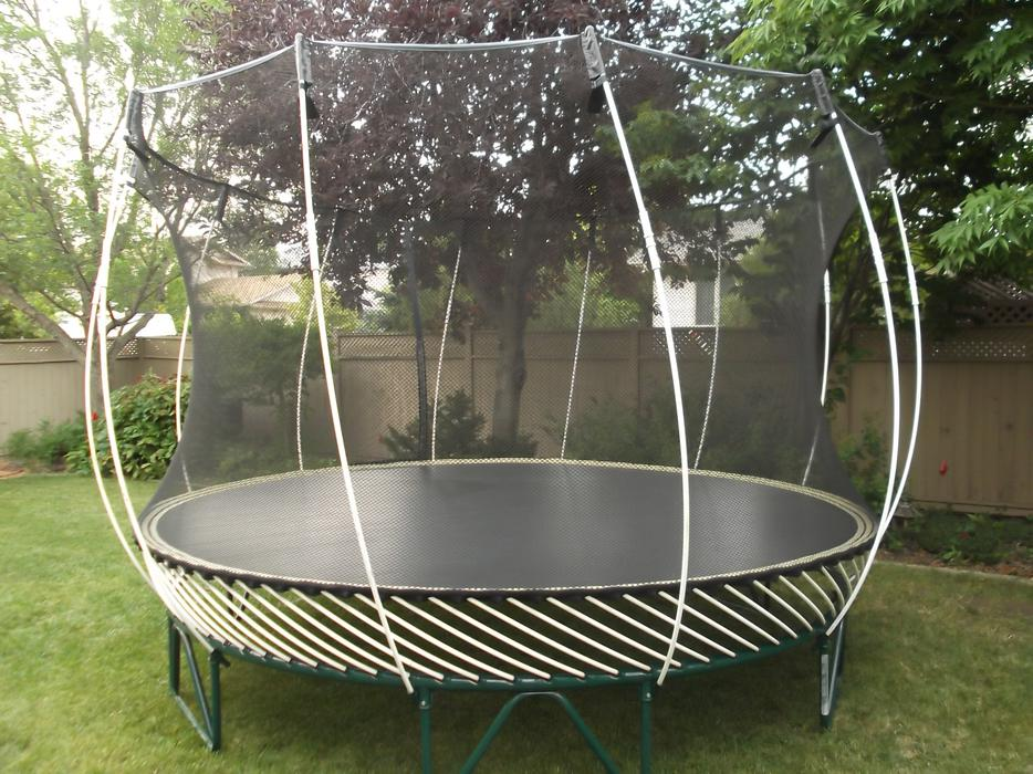 Springfree trampoline with enclosure 12 ft round north for Springfree trampoline