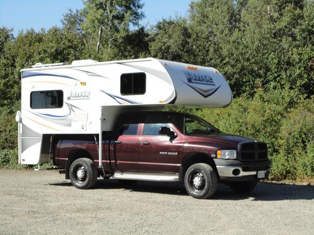 2011 Lance 855 Camper With 2004 4x4 Dodge Ram 2500 Saanich