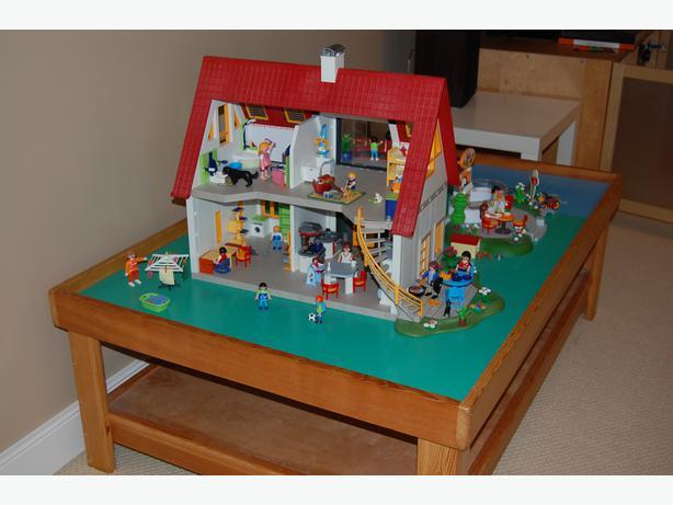 Playmobil Suburban House Ice Cream Parlour Figures