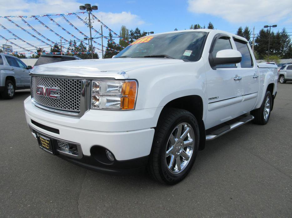 2012 gmc sierra denali 1500 sumit white black leather with nav parksville nanaimo mobile. Black Bedroom Furniture Sets. Home Design Ideas