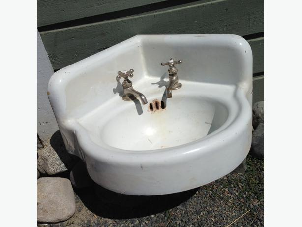 Antique Corner Sink : Antique, Cast Iron, Corner Sink with faucets Central Saanich, Victoria
