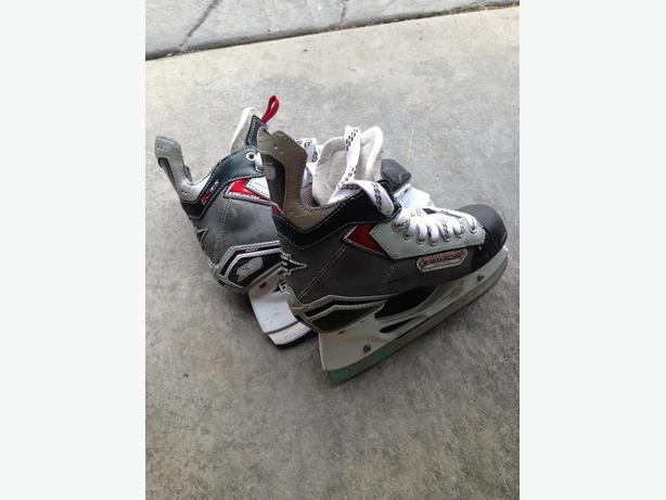 Easton S9 youth size 5.5