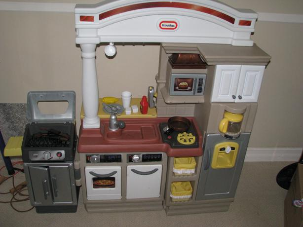 Little Tikes Kitchen With Grill And Pizza Oven