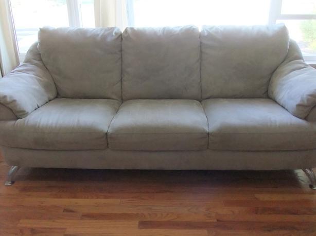 Natuzzi Microfiber Sofa And Loveseat Saanich Victoria