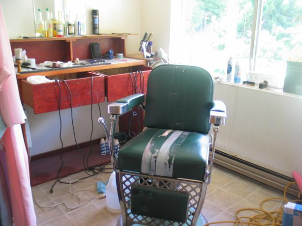 Man Cave Barber Orleans : Barber chair tatto shop outside nanaimo