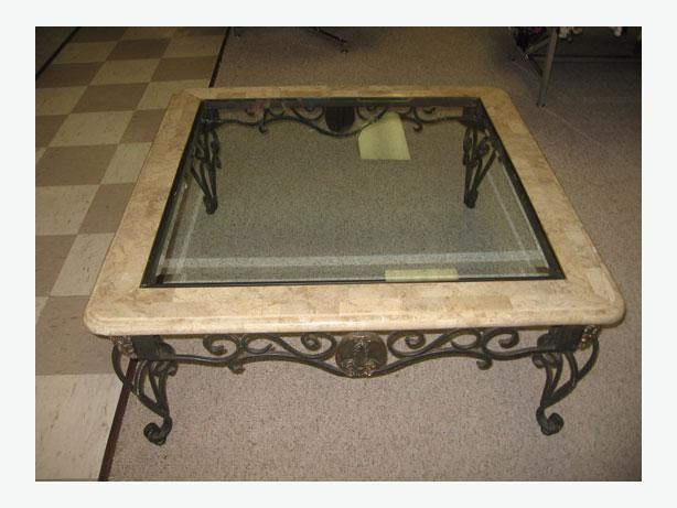 Wanted coffee table and 2 end tables similar to pictured for Coffee tables regina