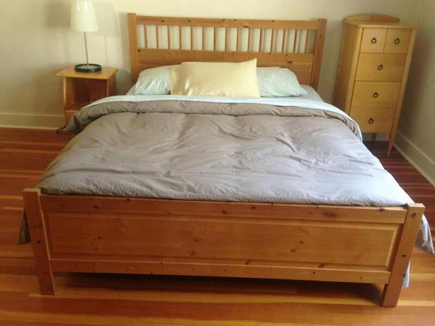 Knotty Pine Queen Bed Frame