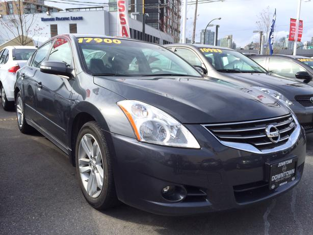 2011 nissan altima 3 5 sr sport sedan great condition. Black Bedroom Furniture Sets. Home Design Ideas