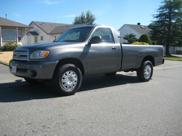 2003 toyota tundra reg cab 2 wheel 5spd 6cly 220km north nanaimo nanaimo. Black Bedroom Furniture Sets. Home Design Ideas