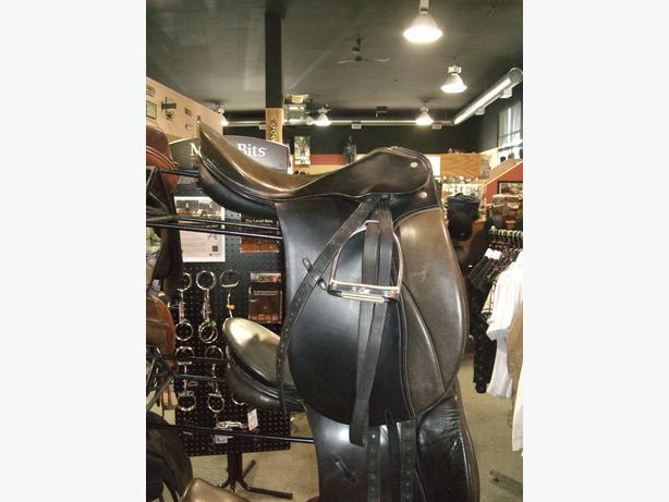"Passier Grand Gilbert 17.5"" Dressage Saddle"