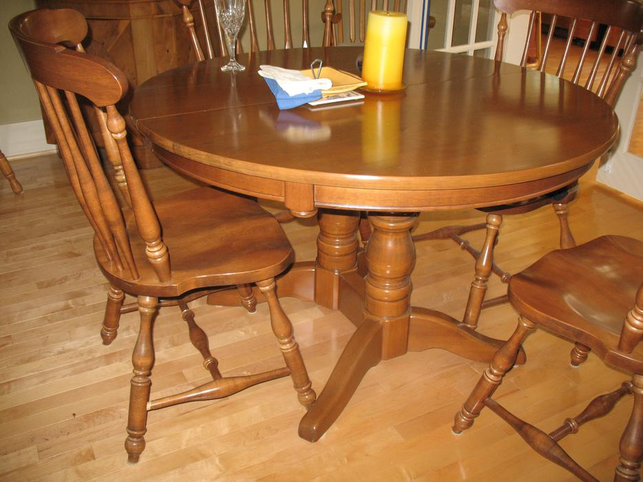Knechtel dining room set parksville parksville qualicum beach for Dining room tables kelowna