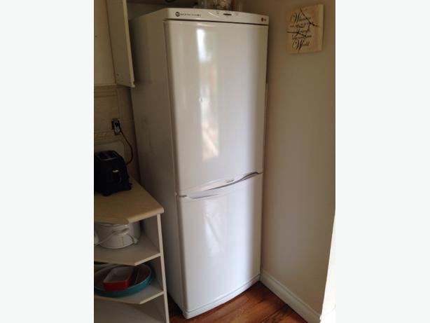 apartment sized fridge LG GR 349R Saanich, Victoria