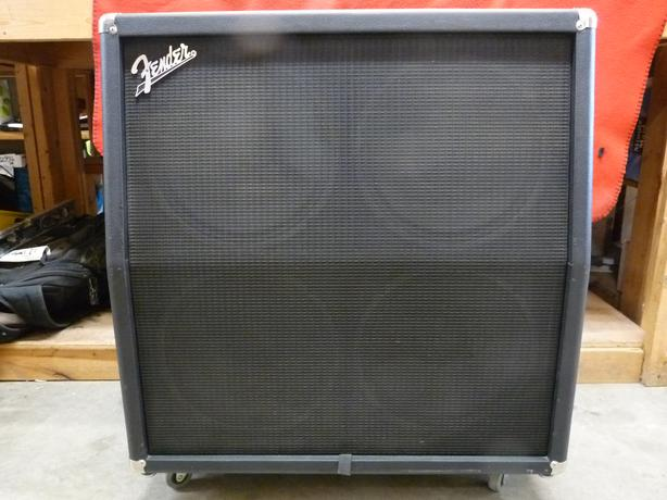 "Fender FM412 4X12"" 100 watt 4 ohm speaker cabinet on wheells ..."