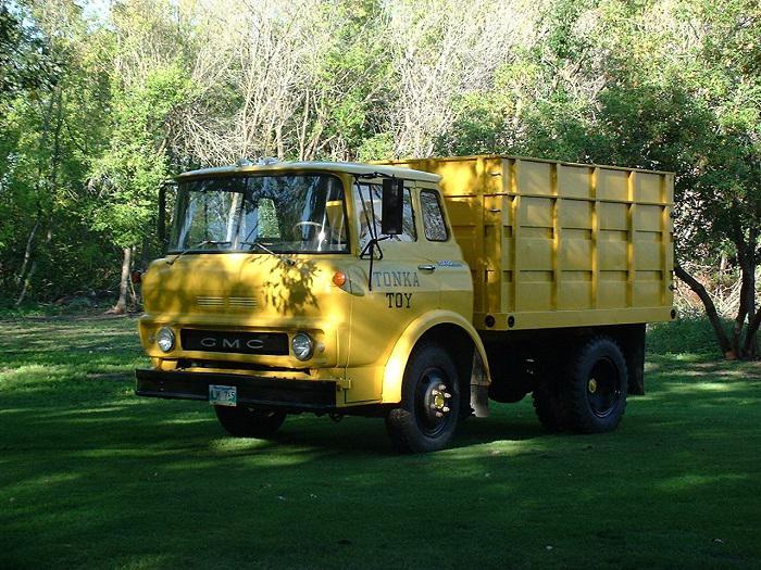 Gmc Red Deer >> 1965 GMC 960 Three Ton Dump Truck Outside Winnipeg, Winnipeg