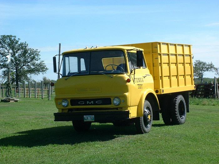Maple Ridge Dump >> 1965 GMC 960 Three Ton Dump Truck Outside Winnipeg, Winnipeg