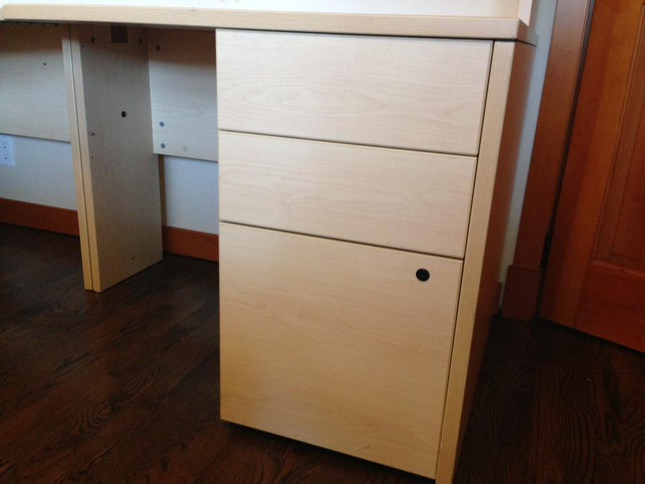 Good Quality Office Desk With Hutch And 2 Cabinets Oak Bay