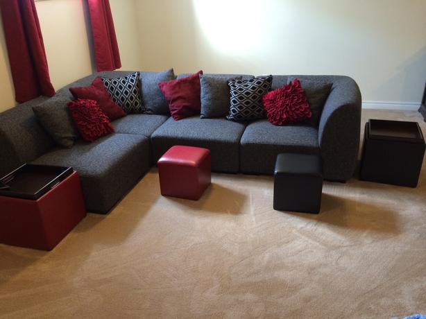Free like new spazio sectional from mobilia gloucester for Mobilia s a