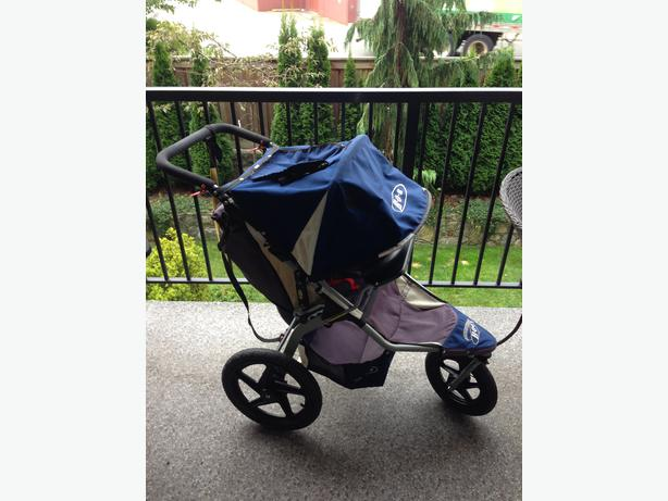 bob revolution stroller with snack tray car seat adapter west shore langford colwood. Black Bedroom Furniture Sets. Home Design Ideas