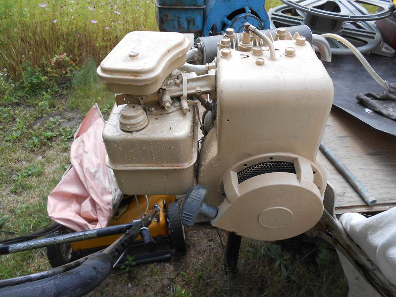 Dual Shaft 4 5hp Briggs Stratton Motor For Sale Outside