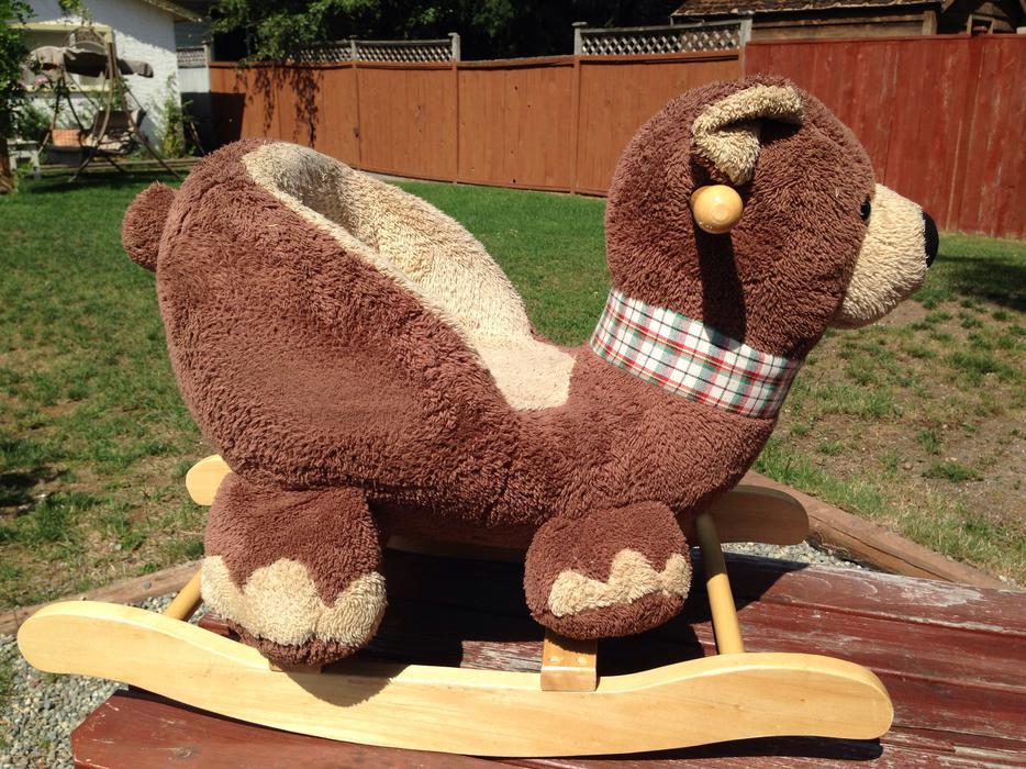 teddy bear rocker west shore langford colwood metchosin highlands victoria mobile. Black Bedroom Furniture Sets. Home Design Ideas