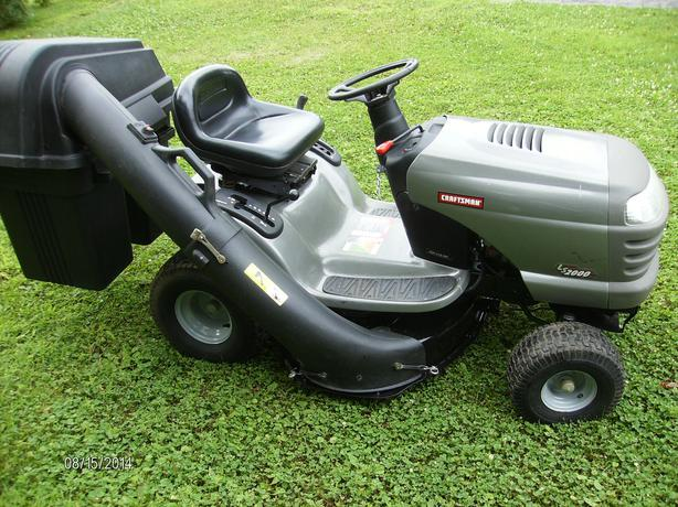 Craftsman Grass Bagger : Lawn tractor with bagger osgoode ottawa